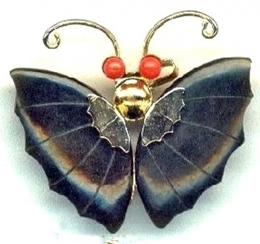 JADE CORAL BUTTERFLY PENDANT BROOCH view 1