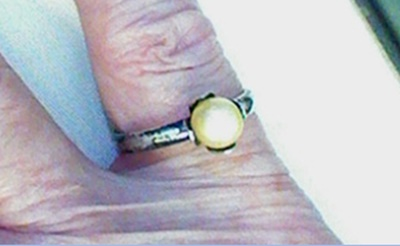 Sarah Coventry Sterling Pearl Solitaire Ring view 1
